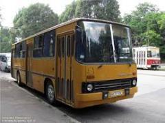 Продам лобовое стекло на автобус Икарус